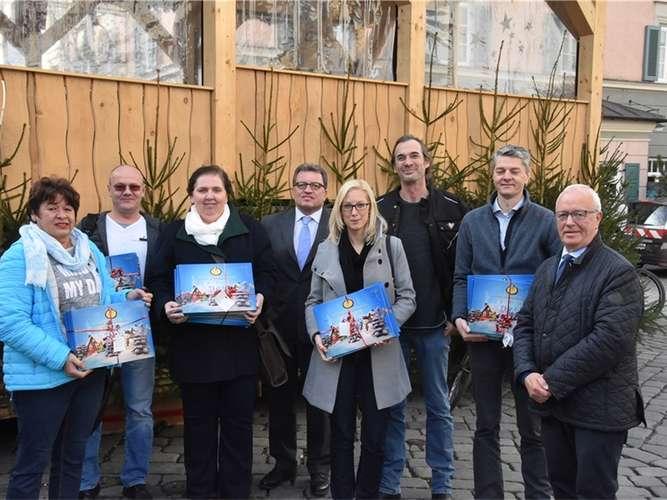 Bürgerstiftung beschenkt Senioren mit Adventskalendern